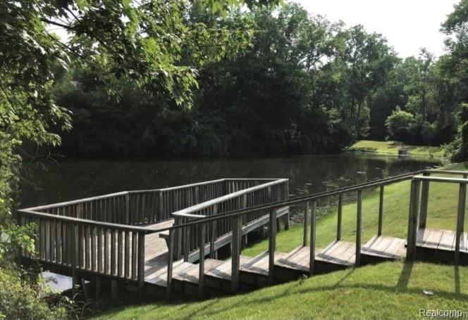 1417 Paddle Wheel Lane North, #38, Rochester Hills, MI 48306