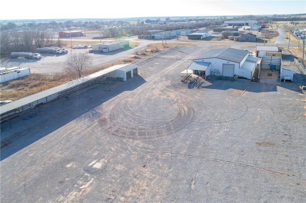 400 N Industrial St, Lindsay, OK 73052