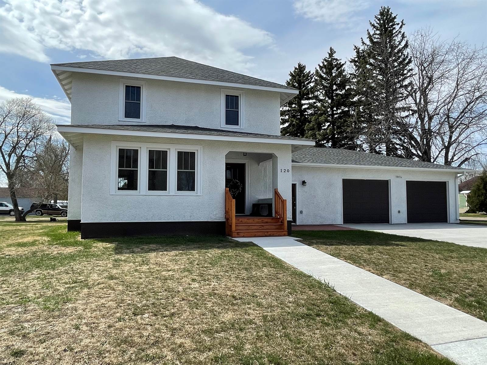 120 6th Street NW, Linton, ND 58552