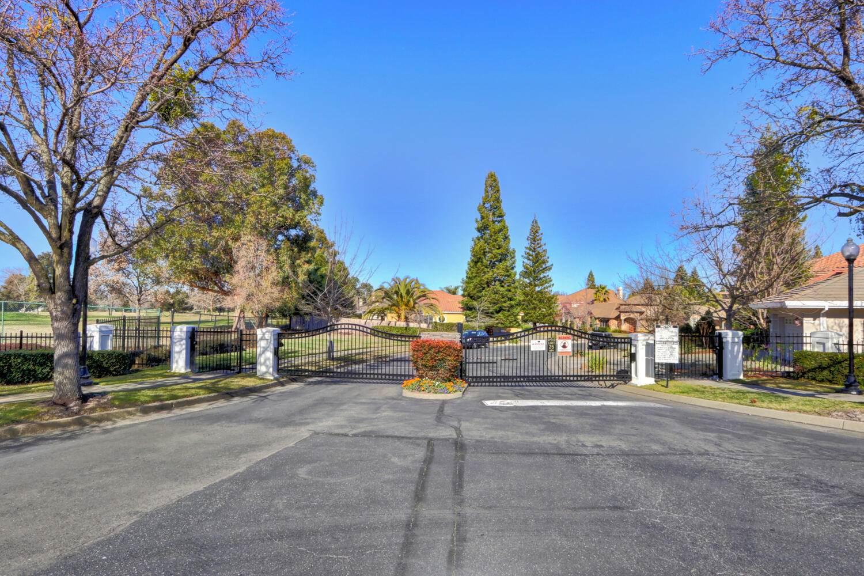 2049 Heritage Dr, Roseville, CA 95678