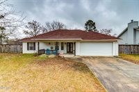 9120 Marina Ave, Ocean Springs, MS 39564