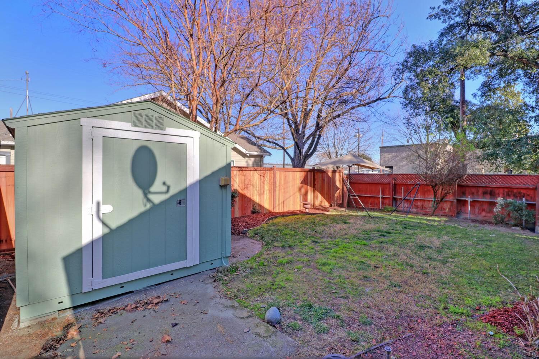 2231 C Street, Sacramento, CA 95816