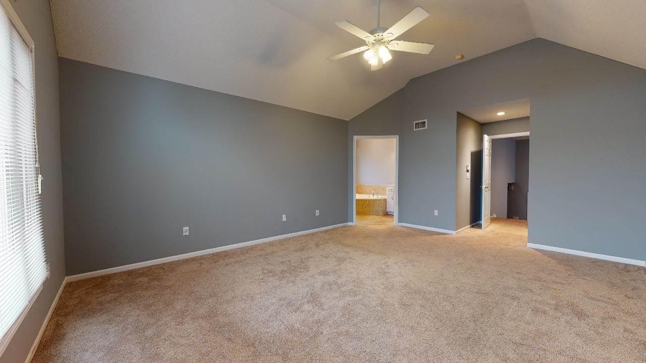 4440 Meadow View Drive, Shawnee, KS 66226