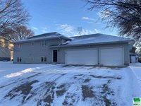 740 Mill St., Akron, IA 51001