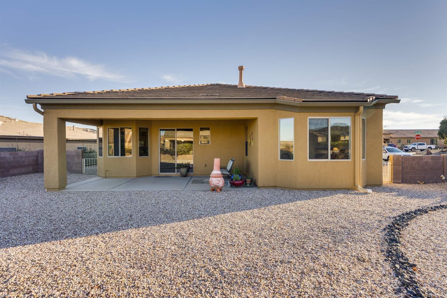 1168 W Tenniel Dt, Green Valley, AZ 85614