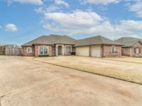 404 NW 138th Cir, Edmond, OK 73013