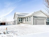 3127 Long Branch Ave, Williston, ND 58801