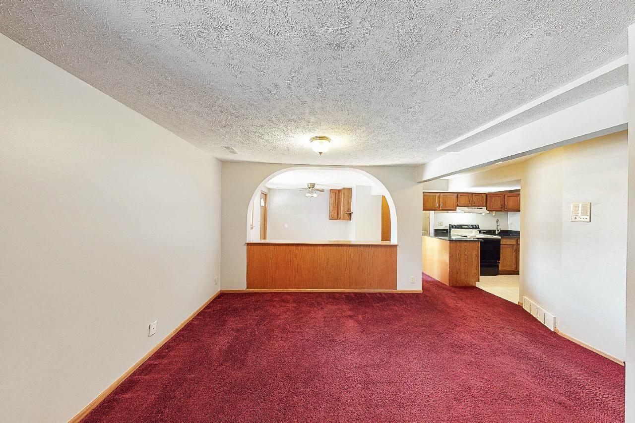 8834 Sprague Circle, Omaha, NE 68134