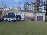 6 Wallace Drive, Plainview, NY 11803