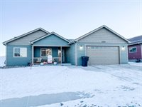 2707 25th St West, Williston, ND 58801