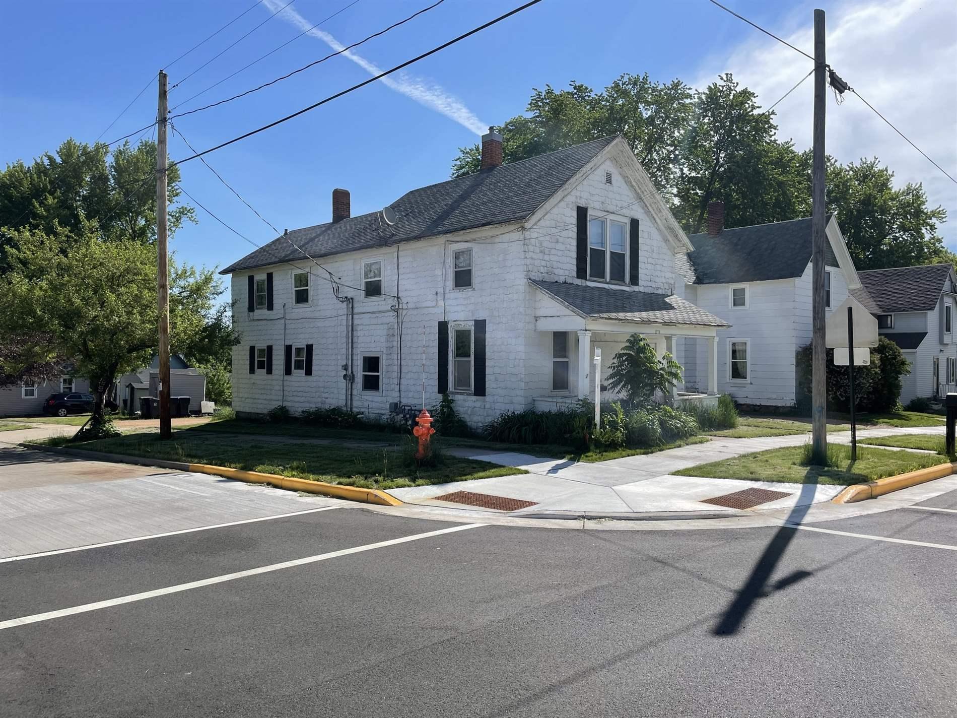 215 W Cleveland Street, Marshfield, WI 54449