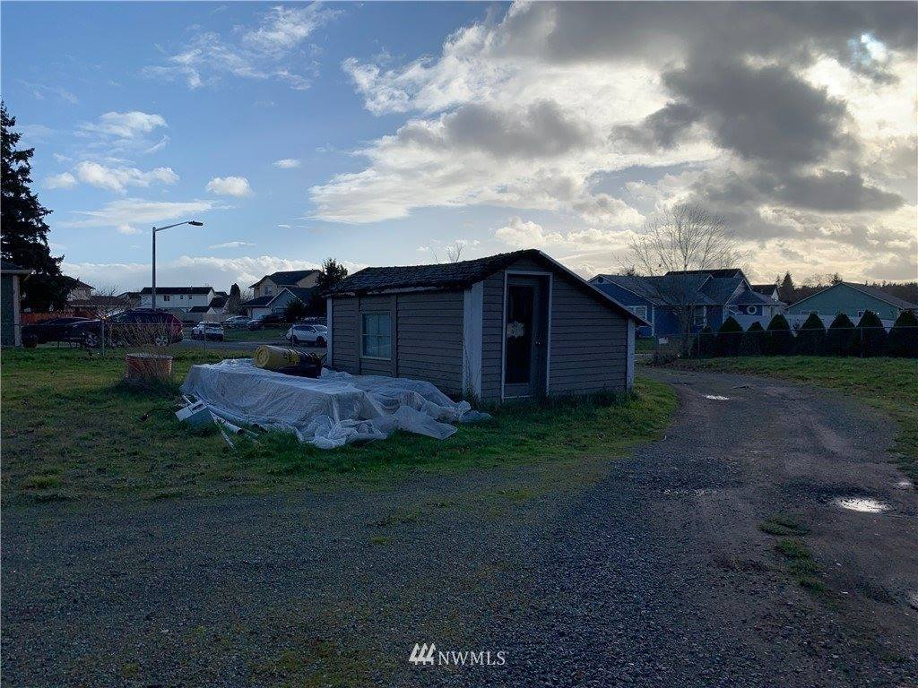 16307 Middle Road SE, Yelm, WA 98592