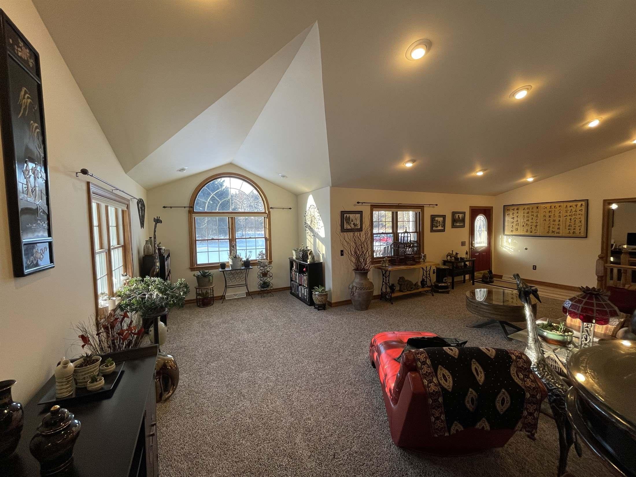 502 W Schofield Avenue, Greenwood, WI 54437