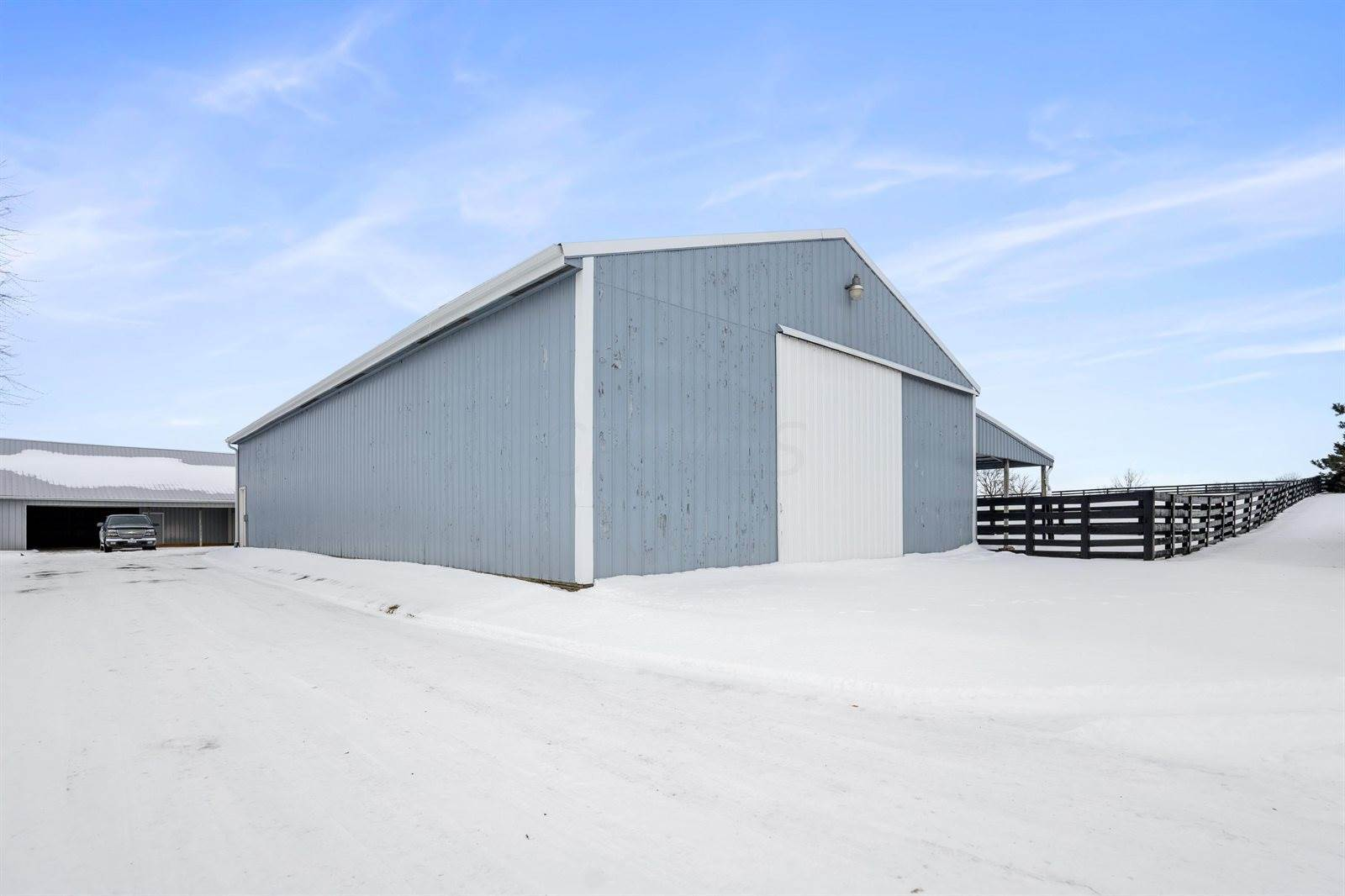 325 State Route 56 NW, London, OH 43140