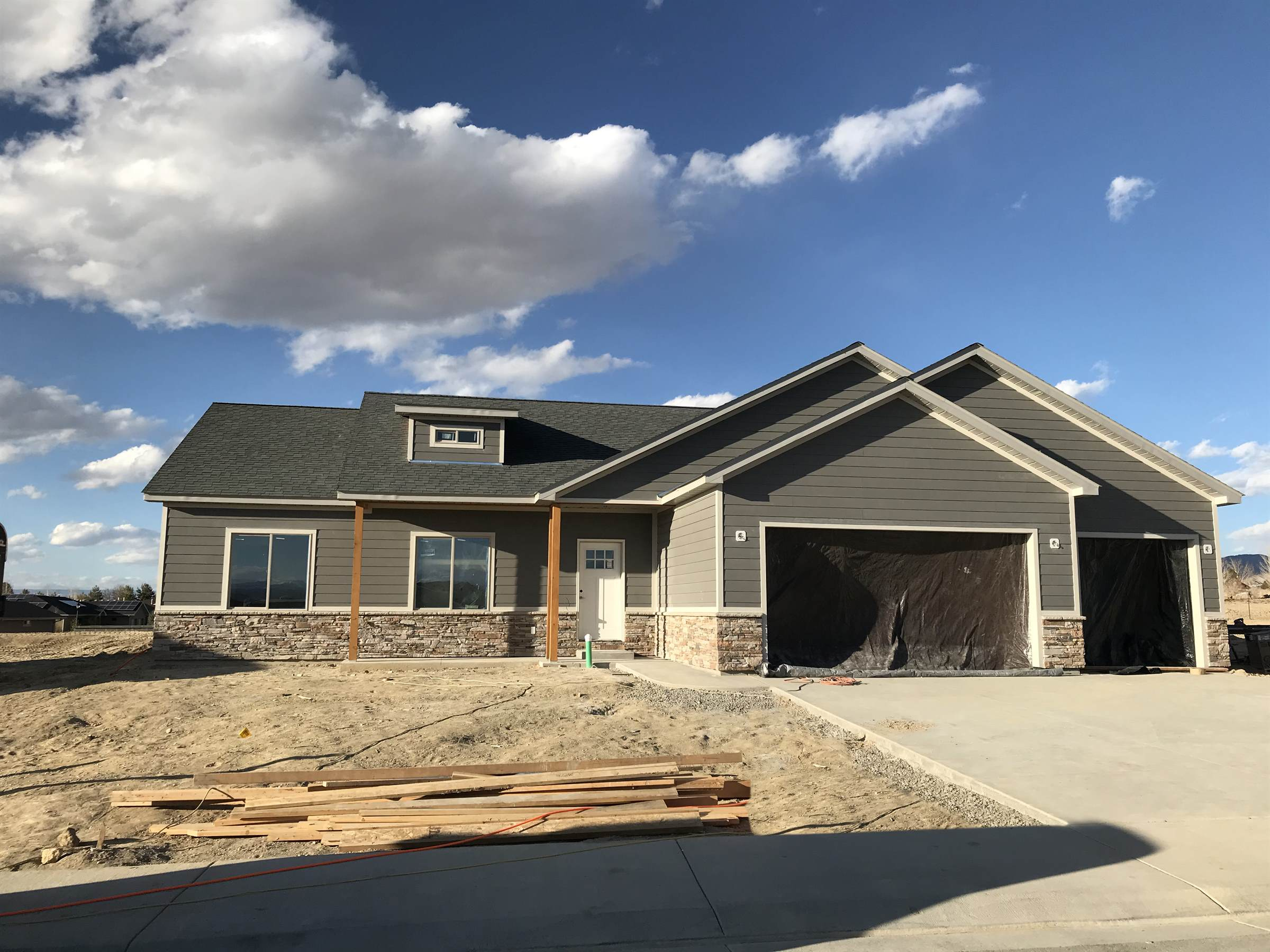 1581 Hickory Drive, Montrose, CO 81401