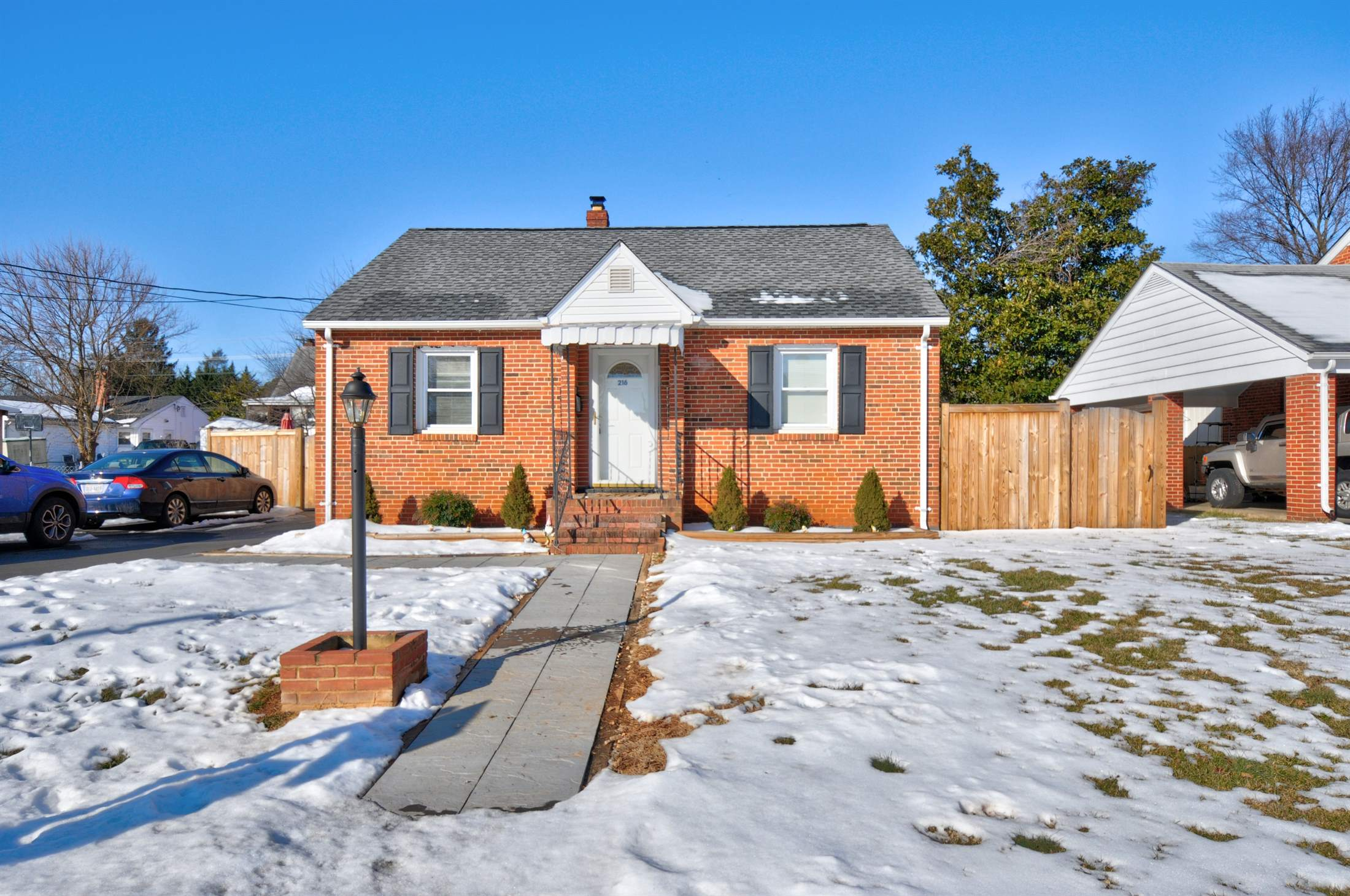 216 Washington Avenue, Front Royal, VA 22630