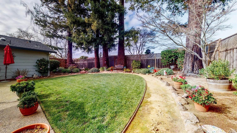 4917 Stonehedge Drive, Santa Rosa, CA 95405