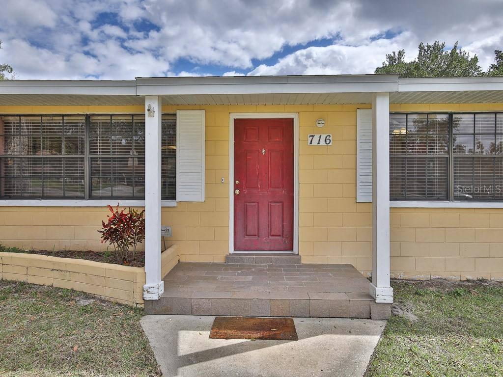716 Albert Lane, Deland, FL 32720