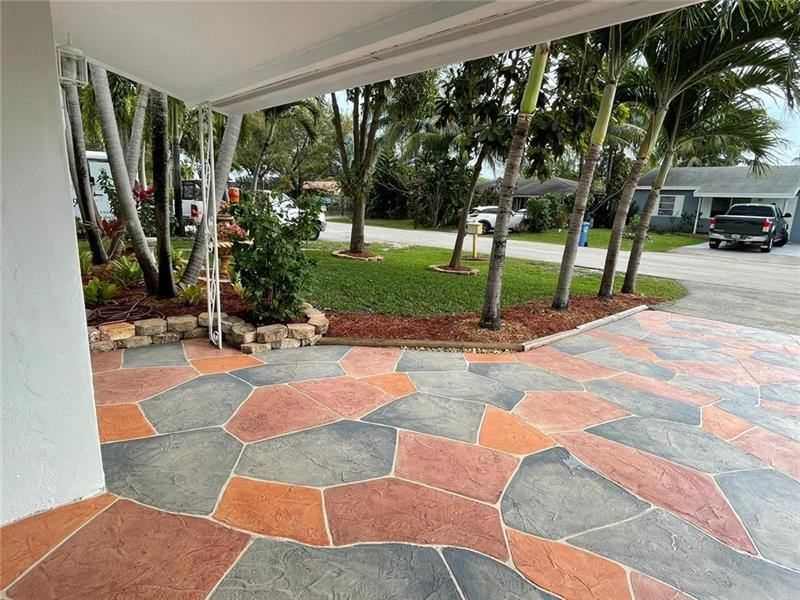 637 NW 45th St, Oakland Park, FL 33309