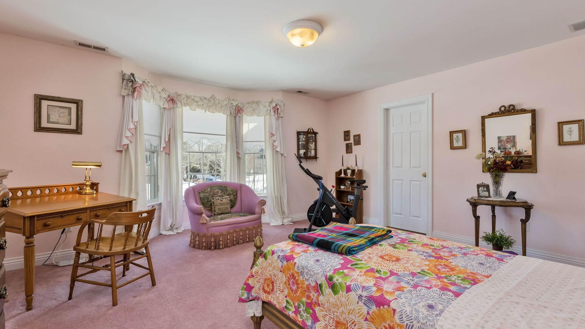 126 Waverly Ave, Long Hill Township, NJ 07946