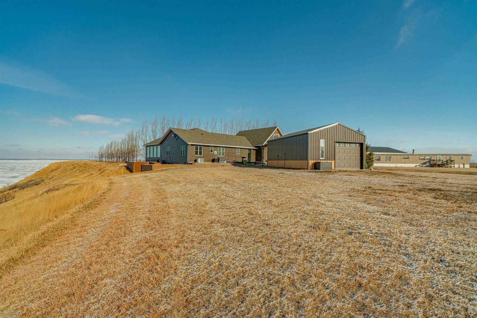 830 46th Avenue NW, #2, Hazen, ND 58545