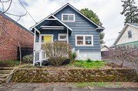 1723 SE Harney St, Portland, OR 97202