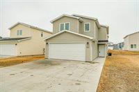 6915 Majestic Loop, Lincoln, ND 58504