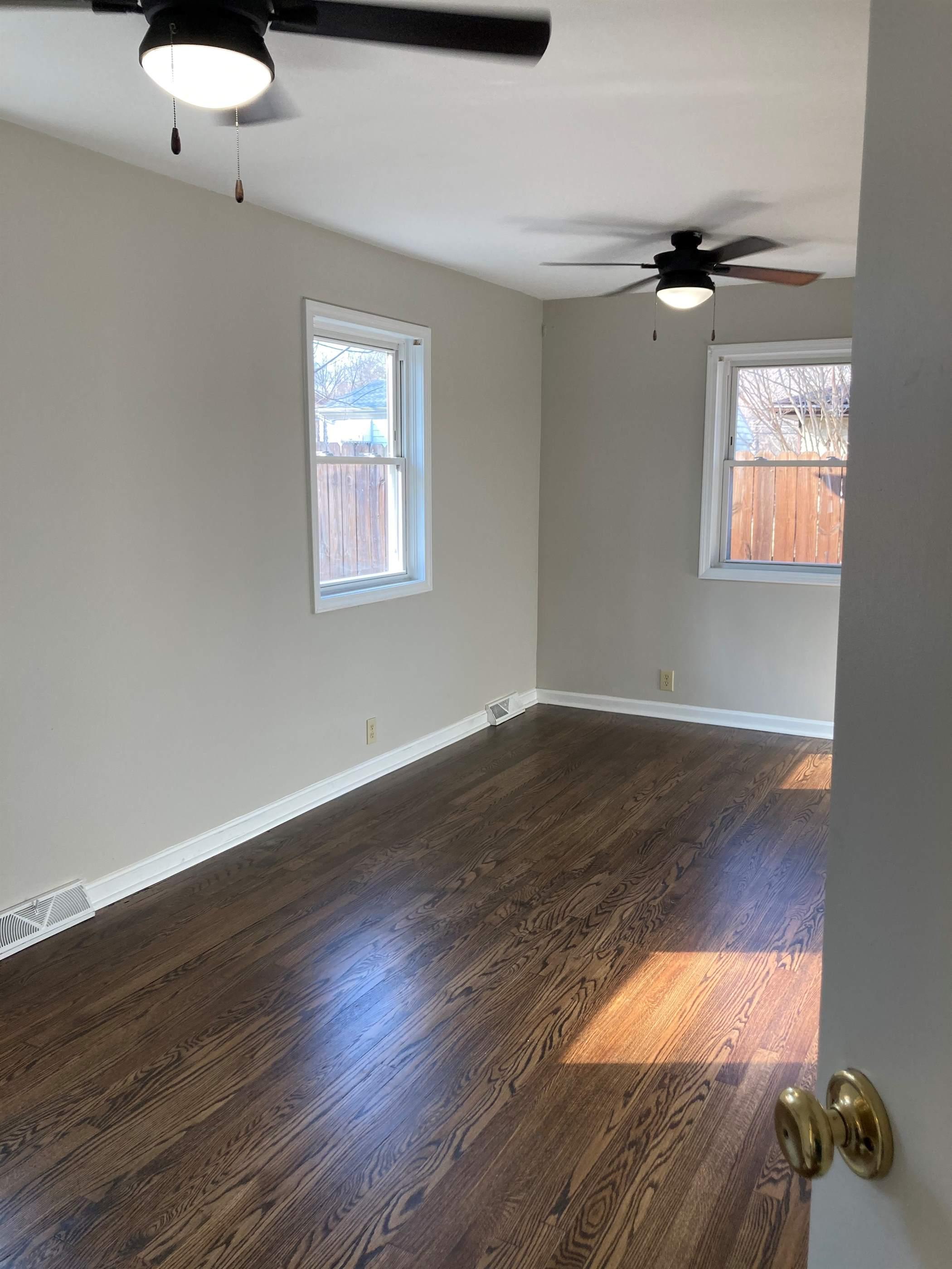 4620 Weaver Rd, Evansville, IN 47711