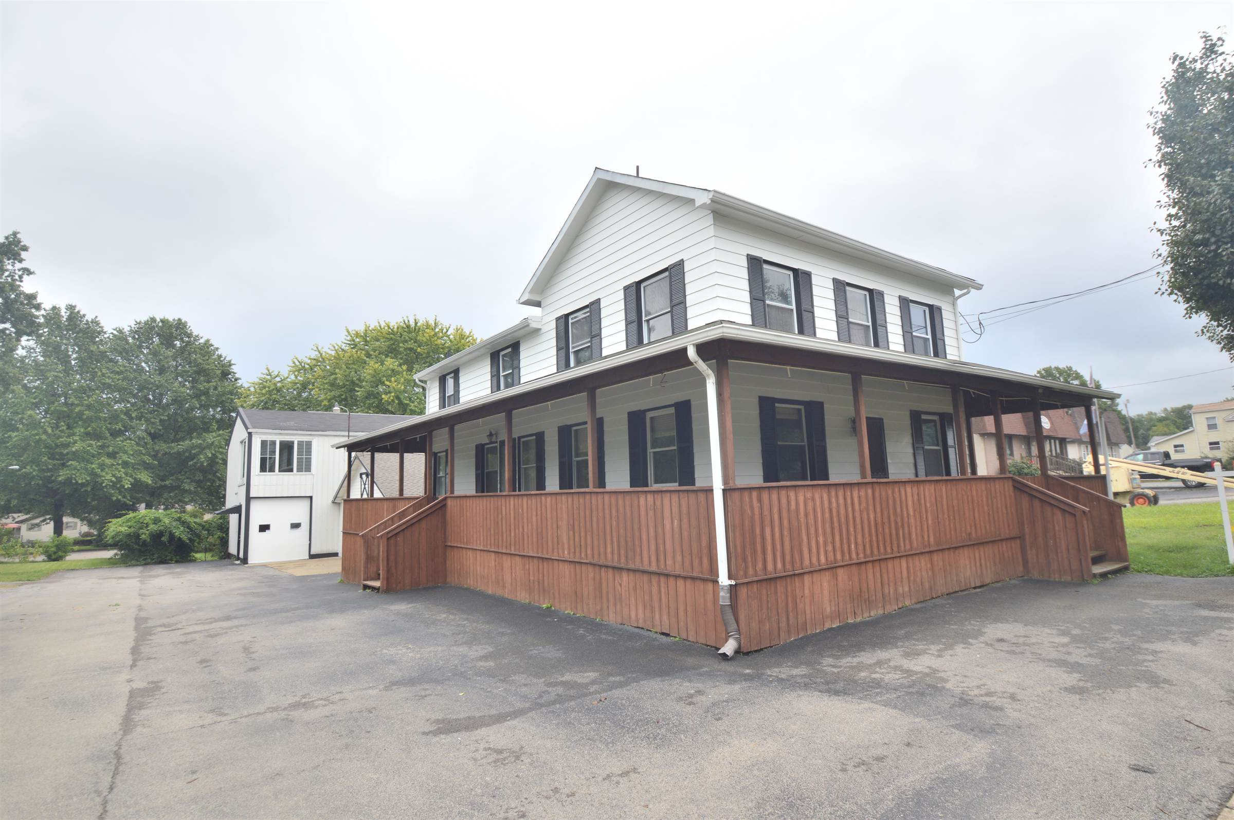 10593 Main Street, New Middletown, OH 44442