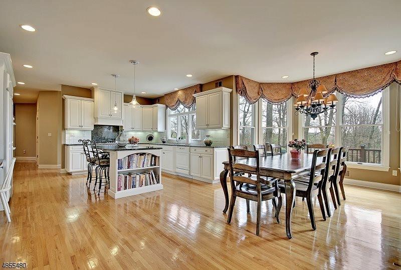 4 Cotswold Lane, Warren Township, NJ 07059