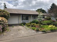 186 South Columbia Dr, Woodburn, OR 97071