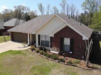 940 Clubhouse Dr, Pearl, MS 39208