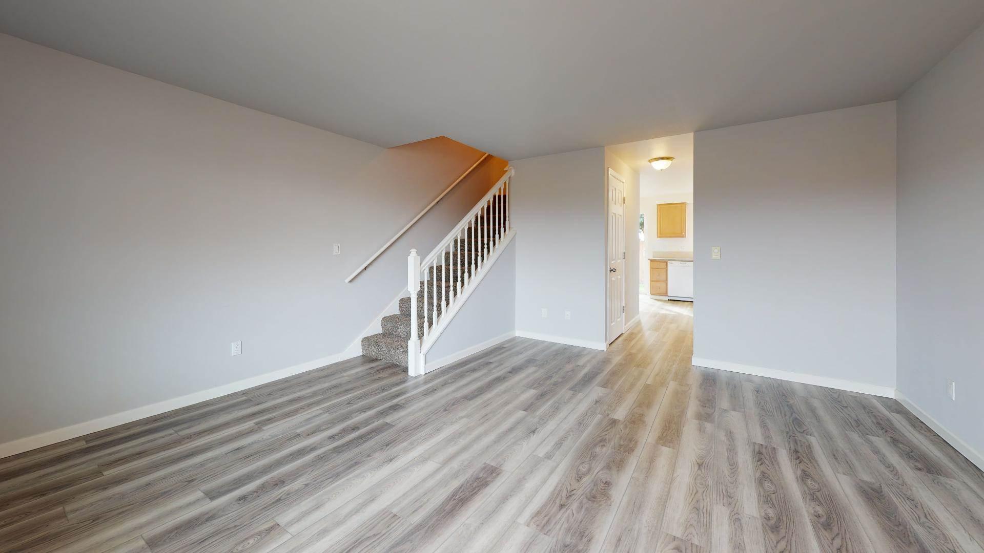 1517 East Division Street, #7, Mount Vernon, WA 98274