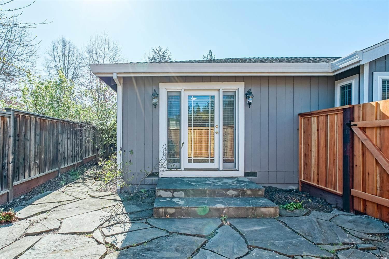 519 Debra Court, Santa Rosa, CA 95404
