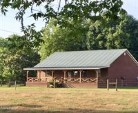 21 Prentiss Rd, Beaumont, MS 39423