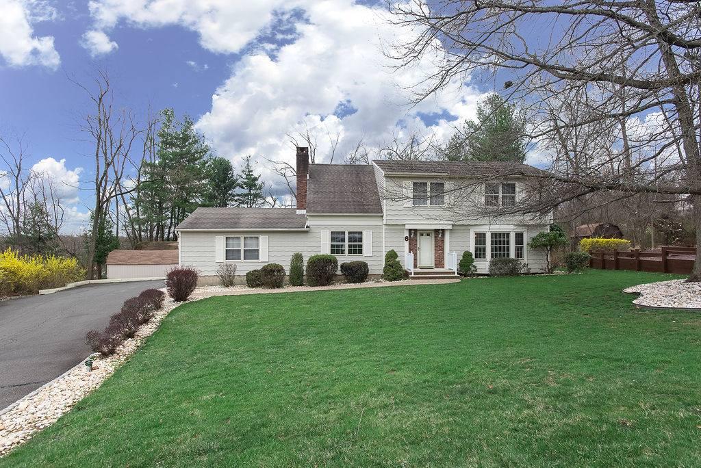 6 Remrose Ledge, Green Brook Township, NJ 08812