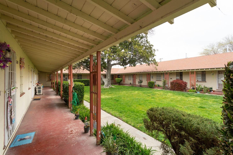 3451 East Mckinley Avenue, Fresno, CA 93703