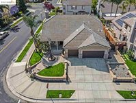 1016 Chamomile Ln, Brentwood, CA 94513