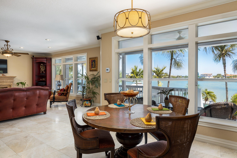8415 Bayshore Dr, Treasure Island, FL 33706
