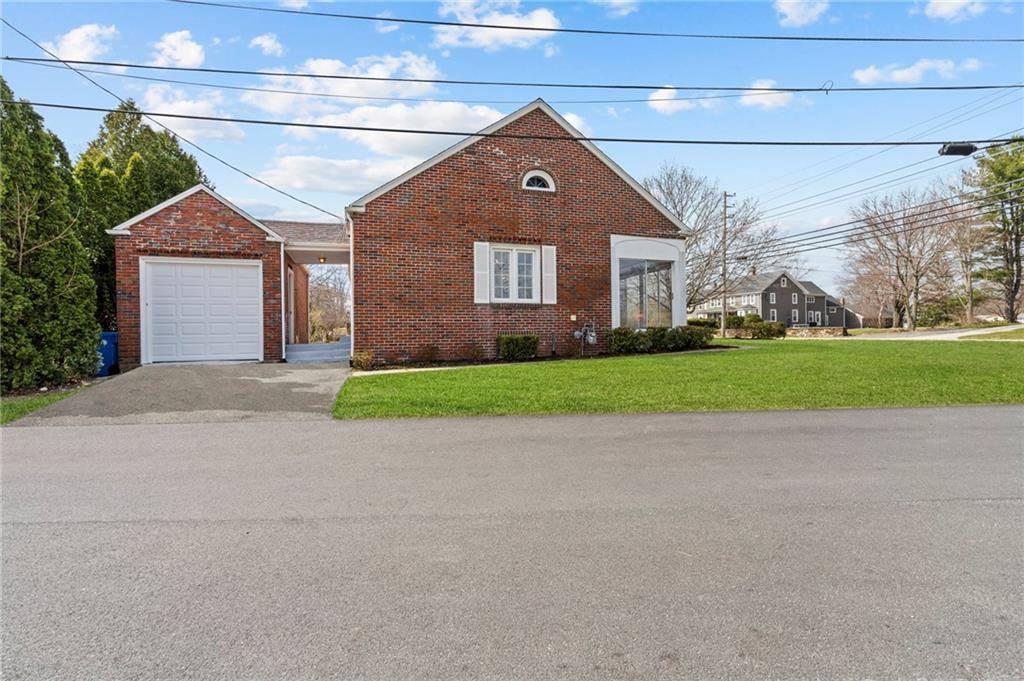 3690 Mendon Road, Cumberland, RI 02864