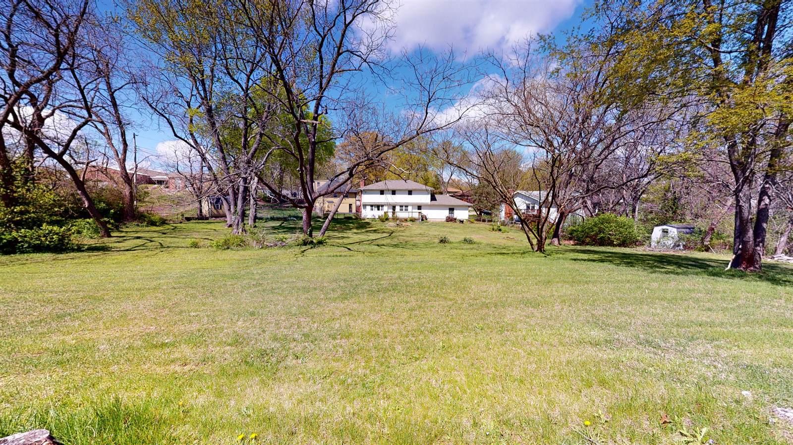 1511 NE 57th Terrace, Gladstone, MO 64118