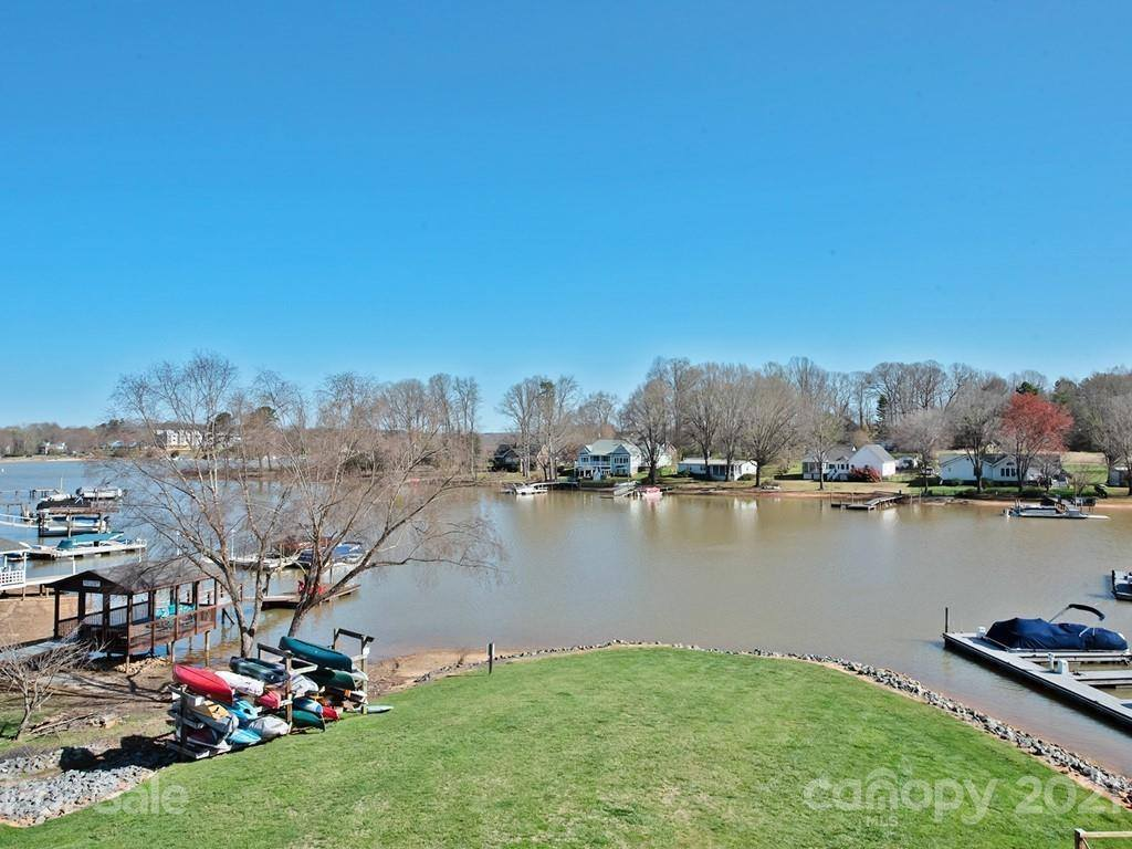 107 Pier 33 Drive, Mooresville, NC 28117
