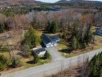 42 Kingsbury Road, Holden, ME 04429