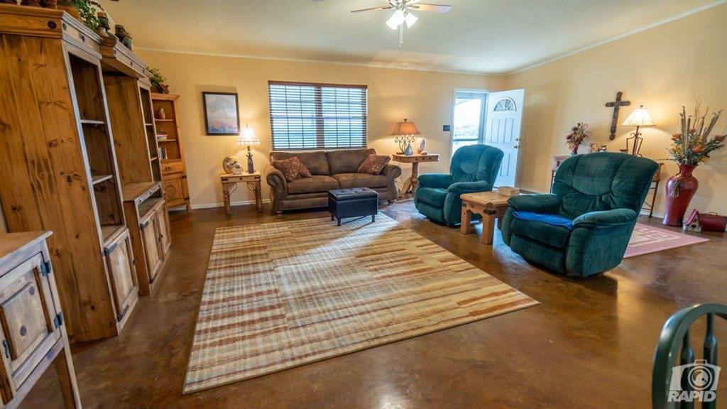 6343 County Rd 110, Sonora, TX 76950