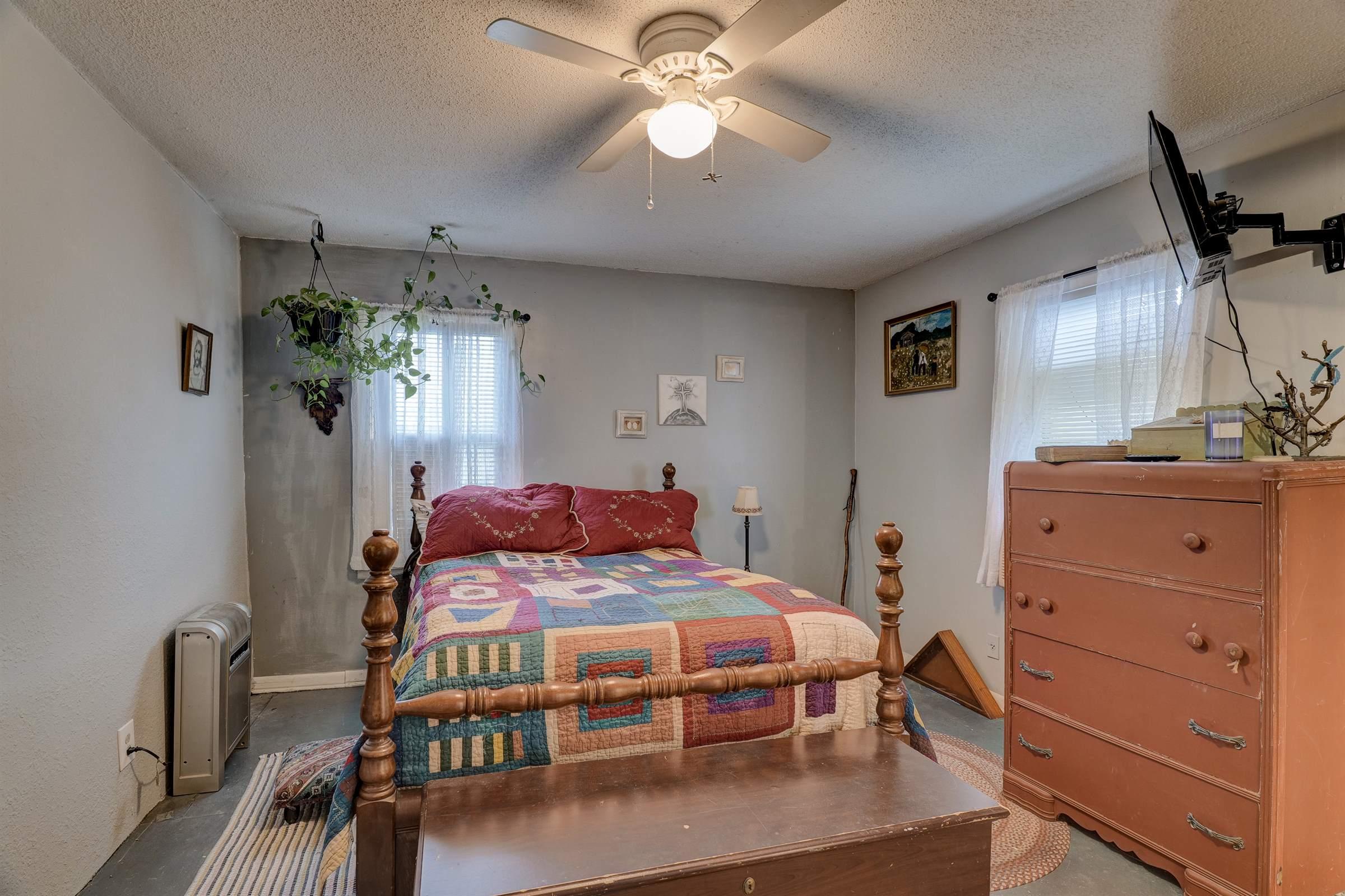 319 North Jefferson Street, Neosho, MO 64850