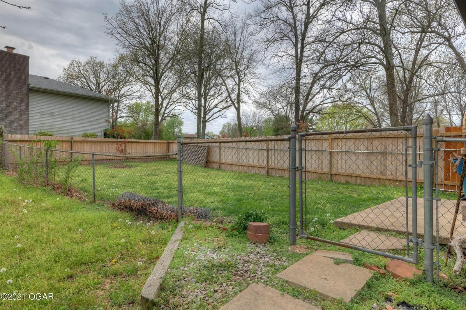 111 Hillview Drive, Joplin, MO 64804