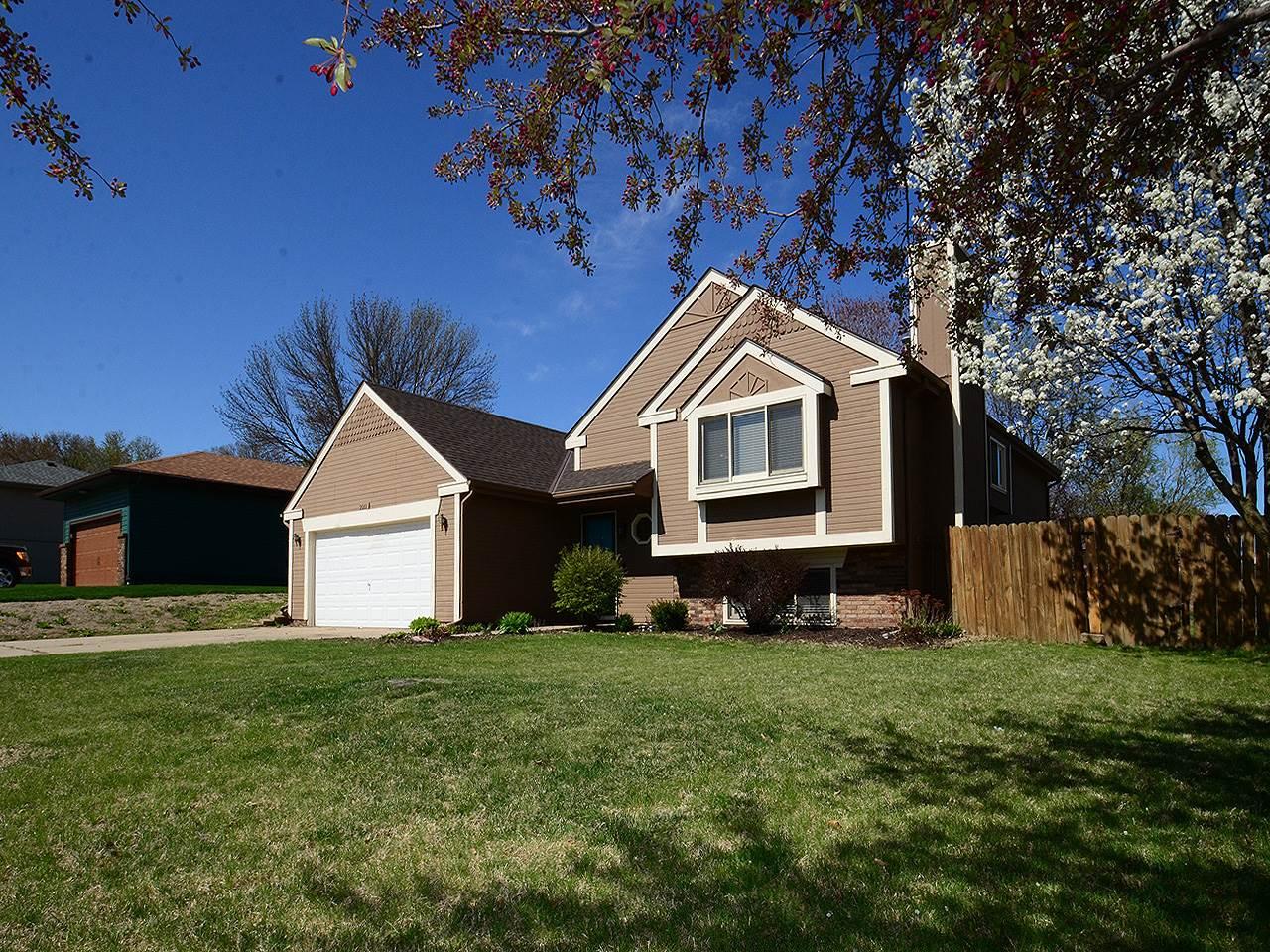 2010 Glenwood Avenue, Papillion, NE 68046