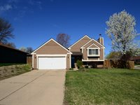 2010 Glenwood Avenue, Papillion, NE 68046