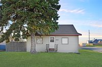 422 Main St, Tioga, ND 58852