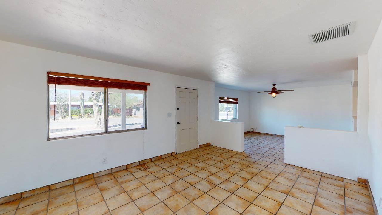 5762 E Helen St, Tucson, AZ 85712